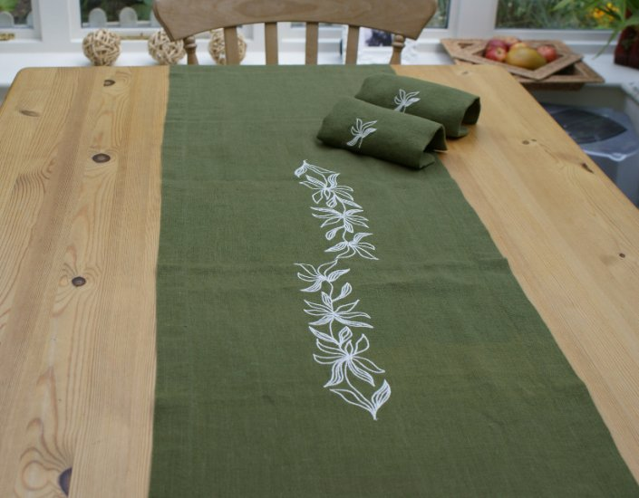 Hemp Runner Deep Sage Green - Vine Embroidery 40cm x 180cm